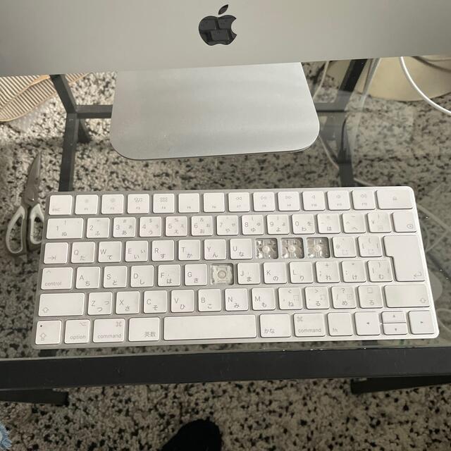 Apple(アップル)のiMac21.5インチ Retina 4K メモリ8GB HDD1T スマホ/家電/カメラのPC/タブレット(デスクトップ型PC)の商品写真