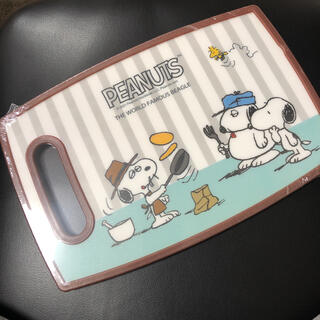 ピーナッツ(PEANUTS)のスヌーピー カッティングボード(オラフ柄)(調理道具/製菓道具)