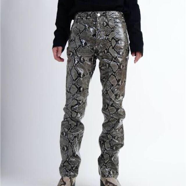 JOHN LAWRENCE SULLIVAN(ジョンローレンスサリバン)のJOHN LAWRENCE SULLIVAN 19aw Python pants メンズのパンツ(デニム/ジーンズ)の商品写真
