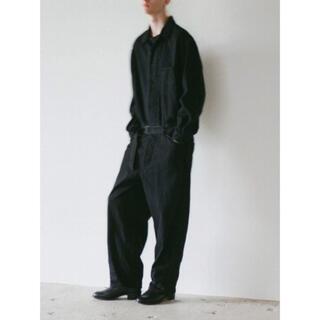 コモリ(COMOLI)のCOMOLI 20aw デニムオールインワン BLACK size 1  新品(デニム/ジーンズ)