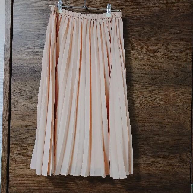 GU(ジーユー)のGU プリーツスカート ベージュピンク レディースのスカート(ひざ丈スカート)の商品写真