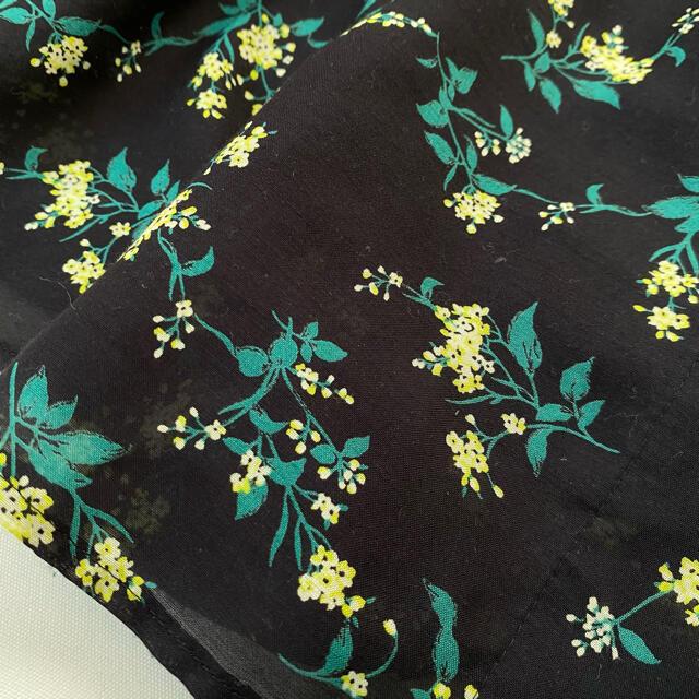 IENA SLOBE(イエナスローブ)のスローブイエナ ロングスカート 花柄 黒 ブラック 春服 夏服 レディースのスカート(ロングスカート)の商品写真