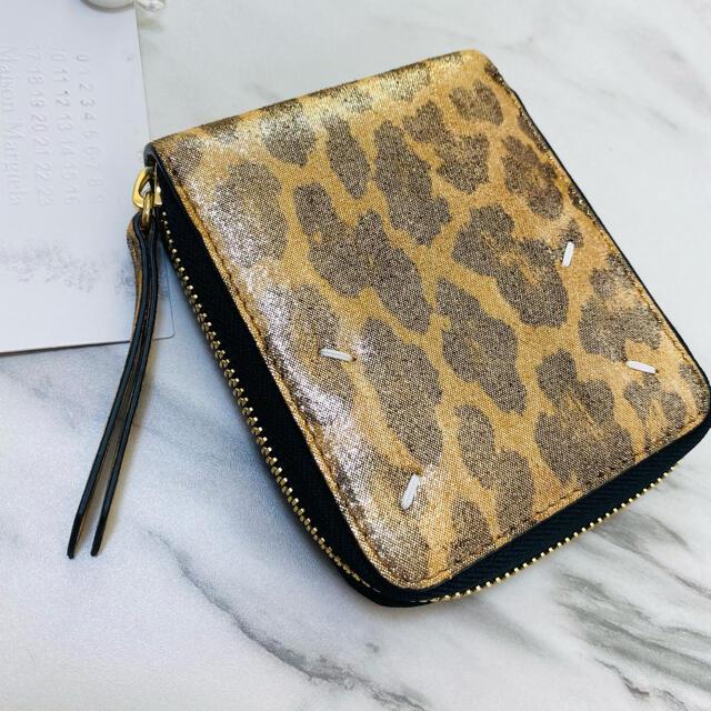 Maison Martin Margiela(マルタンマルジェラ)のラスト1【新品】メゾン マルジェラ 4ステッチ×レオパード 二つ折り財布 ジップ レディースのファッション小物(財布)の商品写真