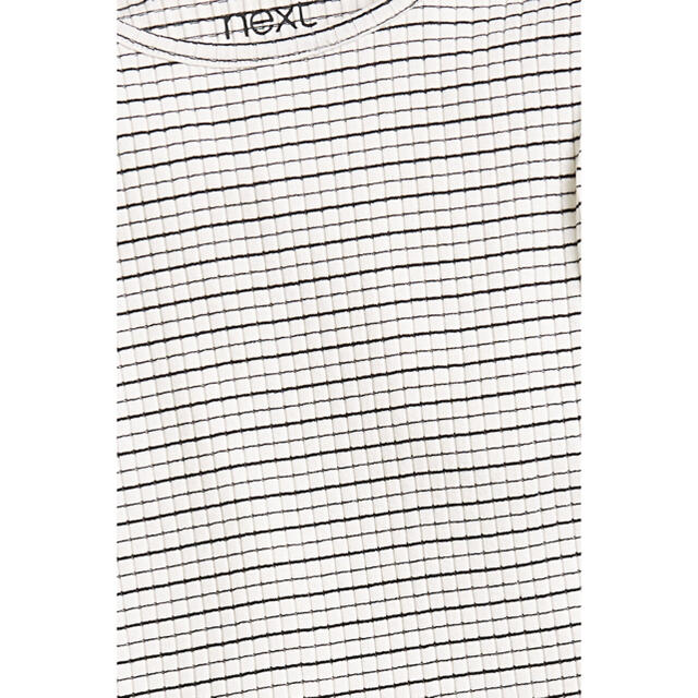 NEXT(ネクスト)の【新品】next ベージュ 小花柄リブTシャツ3枚組(オールド) キッズ/ベビー/マタニティのキッズ服女の子用(90cm~)(Tシャツ/カットソー)の商品写真