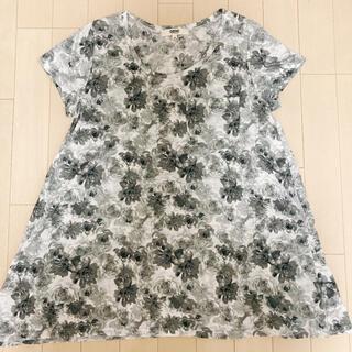 オゾック(OZOC)のOZOC 花柄Tシャツ(値下げしました)(Tシャツ(半袖/袖なし))
