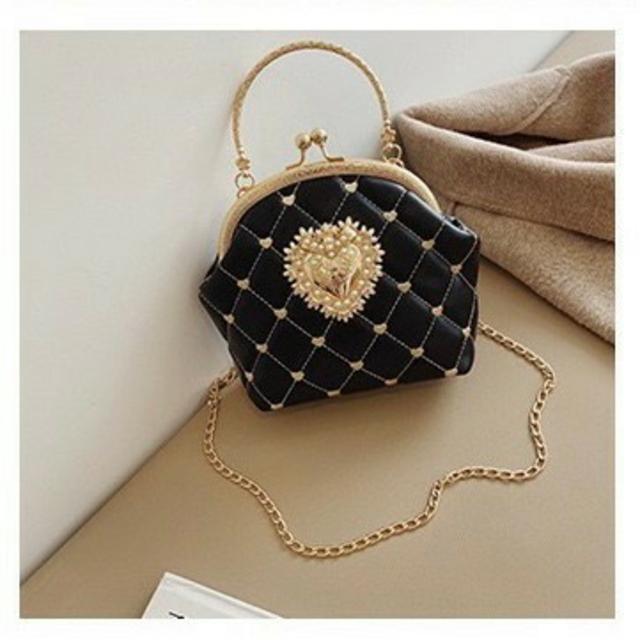 黒  ハンドバッグ ハートポシェット がま口 地雷 病み 量産 しゅくれどーる レディースのバッグ(ショルダーバッグ)の商品写真