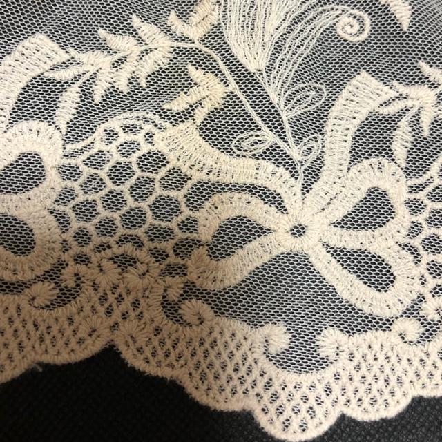 axes femme(アクシーズファム)のアクシーズファム レース×赤チェック2枚重ねスカート&花刺繍レース付きブラウス レディースのレディース その他(セット/コーデ)の商品写真