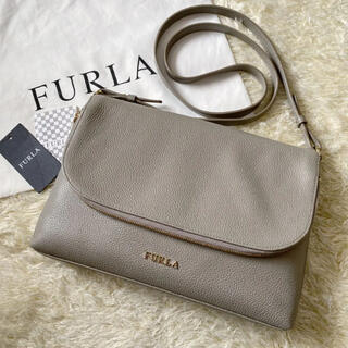 Furla - 【美品】フルラ ノエミ ショルダーバッグ クロスボディ シボ革 サッビア