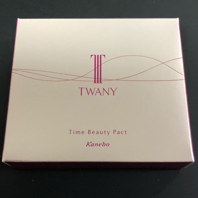 TWANY(トワニー)の未使用 トワニー タイムビューティパクト 01 コスメ/美容のベースメイク/化粧品(フェイスパウダー)の商品写真