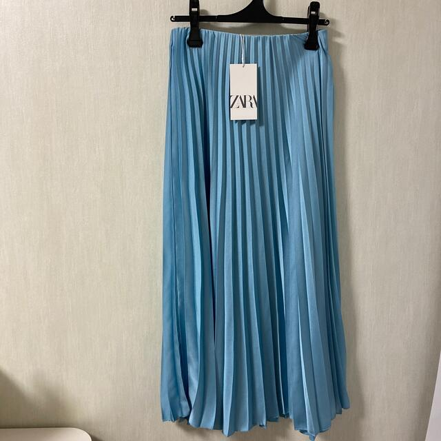 ZARA(ザラ)のタグ付き ZARA  サテンプリーツスカート レディースのスカート(ロングスカート)の商品写真