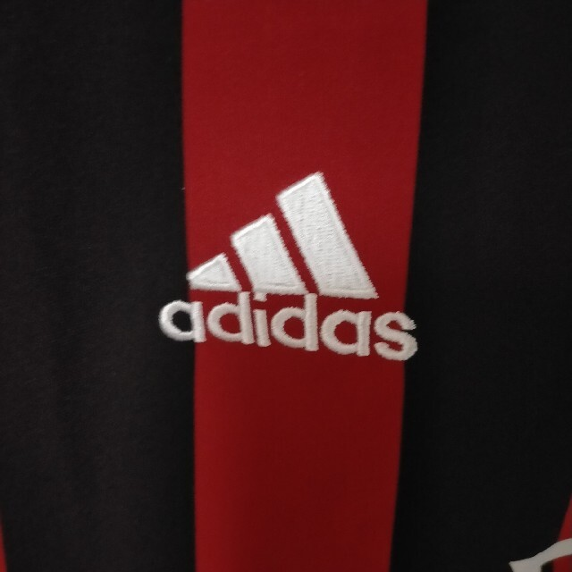 adidas(アディダス)の超美品!ACミランユニフォーム新品未使用タグ付き サイズM スポーツ/アウトドアのサッカー/フットサル(ウェア)の商品写真