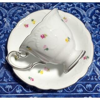 オオクラトウエン(大倉陶園)の大倉陶園 3色小花 プラチナライン カップ&ソーサー(グラス/カップ)