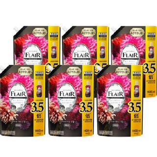 ライオン(LION)のフレアフレグランス 柔軟剤 べルベット&フラワー つめかえ用 超特大サイズ(洗剤/柔軟剤)