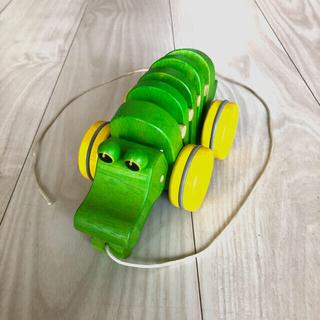プラントイ(PLANTOYS)の【PLANTOYS】ダンシングアリゲーター(ワニの木のおもちゃ)(手押し車/カタカタ)