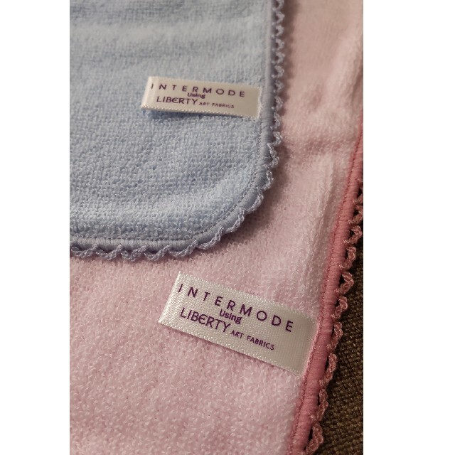 【LIBERTY】タオルハンカチ 2枚 レディースのファッション小物(ハンカチ)の商品写真