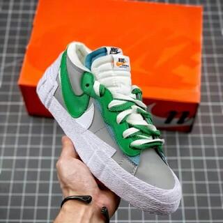 """ナイキ(NIKE)のsacai x Nike blazer low""""Classic Green""""(スニーカー)"""