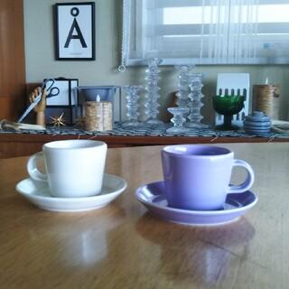 アラビア(ARABIA)の激レア ARABIA koko カップ ソーサー セット ホワイト ライラック(グラス/カップ)
