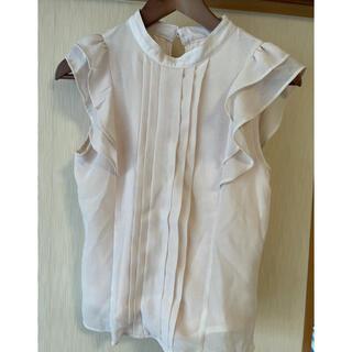 アオキ(AOKI)の薄いピンクの袖フリルブラウス(シャツ/ブラウス(半袖/袖なし))