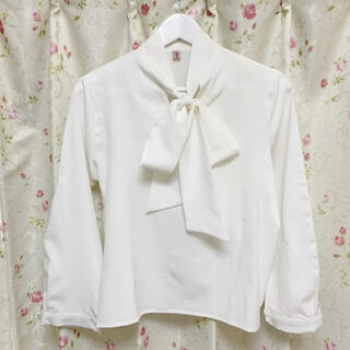 Ank Rouge - 新品未使用 LilyBoutique ビックリボン ブラウス 人気商品