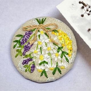 スワッグ 刺繍ブローチ(大) ハンドメイド