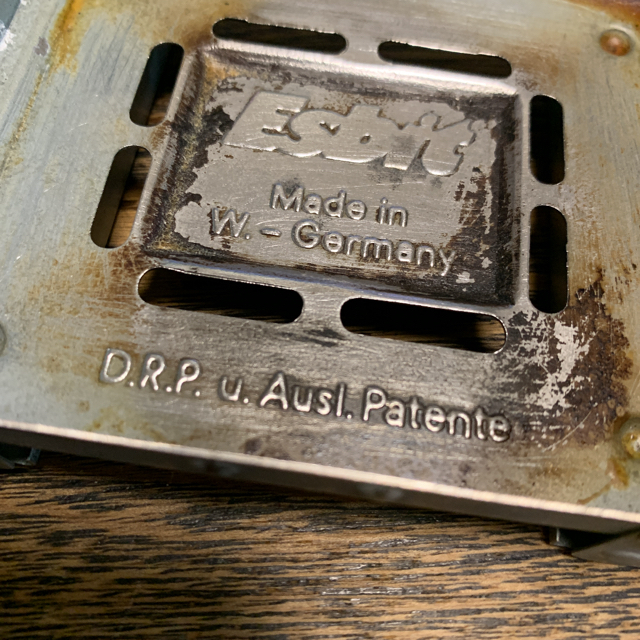 エスビット ポケットストーブ ドイツ軍 軍放出品 スポーツ/アウトドアのアウトドア(ストーブ/コンロ)の商品写真