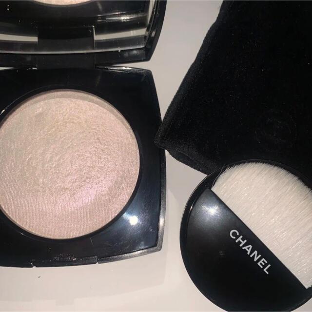 CHANEL(シャネル)のシャネル プードゥル ルミエール 40 ホワイト オパール コスメ/美容のベースメイク/化粧品(フェイスパウダー)の商品写真