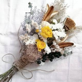 ラナンキュラスとヤマユリ花殻のアンティークスワッグ(ドライフラワー)