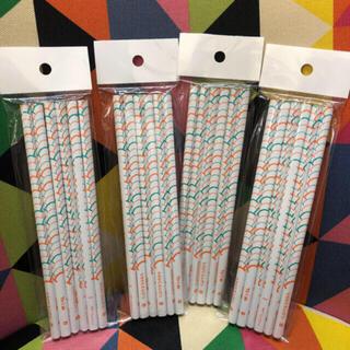 トンボエンピツ(トンボ鉛筆)のtombow トンボ もちかたえんぴつ B 4セット 3角えんぴつ 3角鉛筆(鉛筆)