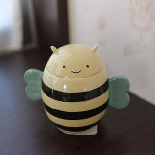 Starbucks Coffee - 【新品】台湾スターバックス 蜂 ハニー デミタスカップ マグカップ 蜜蜂