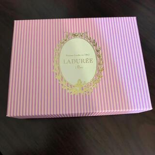 ラデュレ(LADUREE)の美品 LADUREE ラデュレ お菓子 スイーツ マカロン 箱 ボックス(小物入れ)
