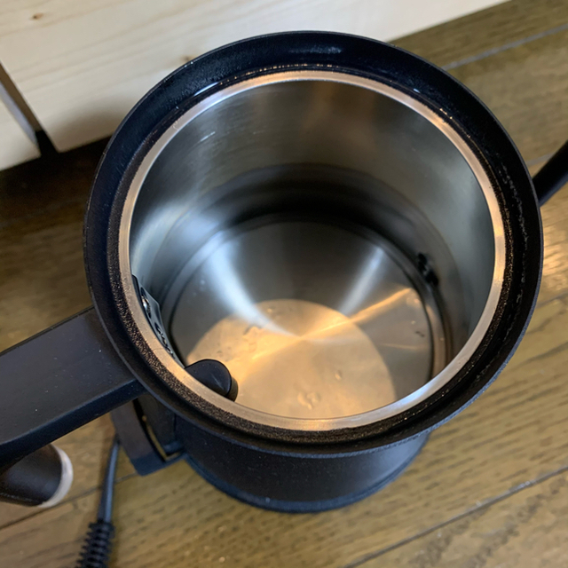 BALMUDA(バルミューダ)のバルミューダ 電気ケトル ポット 黒 ブラック スマホ/家電/カメラの生活家電(電気ケトル)の商品写真
