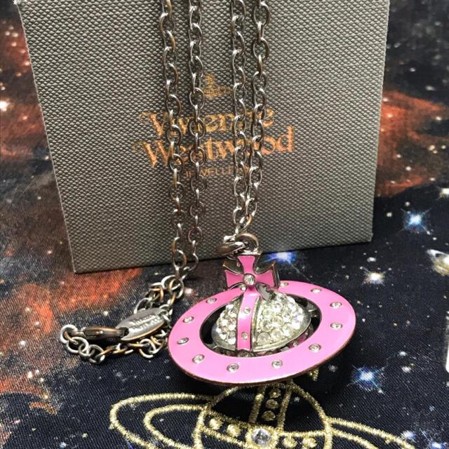 Vivienne Westwood(ヴィヴィアンウエストウッド)のヴィヴィアン パヴェ オーブ 3D ラージ ネックレス レディースのアクセサリー(ネックレス)の商品写真
