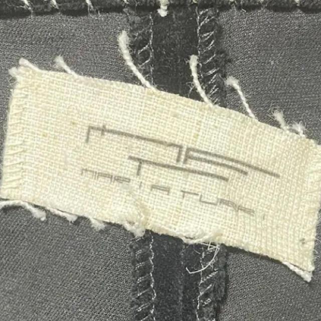 Paul Harnden(ポールハーデン)のマリアトゥーリフェロ ベルベットパンツ メンズのパンツ(スラックス)の商品写真