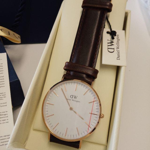 Daniel Wellington(ダニエルウェリントン)のDaniel Wellington40mm0109DW ゴールド×ダックブラウン メンズの時計(腕時計(アナログ))の商品写真