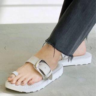アパルトモンドゥーズィエムクラス(L'Appartement DEUXIEME CLASSE)のアパルトモン 【CAMINANDO】Thumb Loop Sandal 36(サンダル)