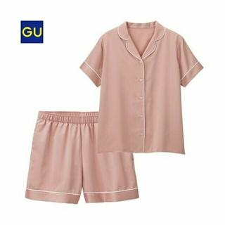 GU - GU 半袖サテンパジャマ