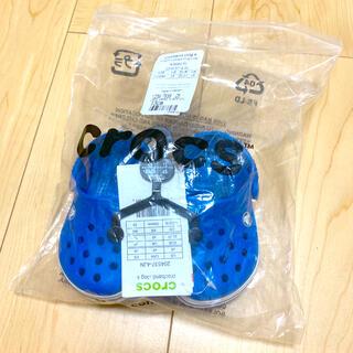 クロックス(crocs)の新品未使用☆クロックス crocs サンダル 青 13cm(サンダル)