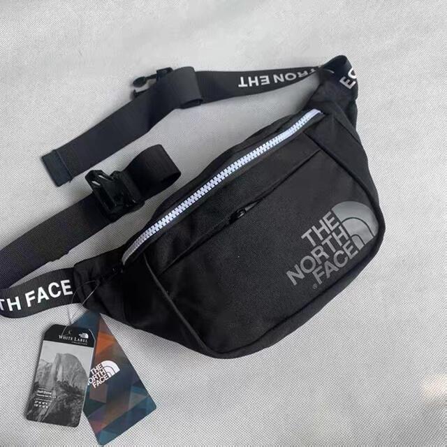 THE NORTH FACE(ザノースフェイス)のTHE NORTH FACE ウエストポーチ(タグ付き) レディースのバッグ(ボディバッグ/ウエストポーチ)の商品写真