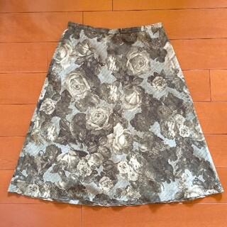 レストローズ(L'EST ROSE)のL'EST ROSE レトロ 薔薇柄 スカート(ひざ丈スカート)