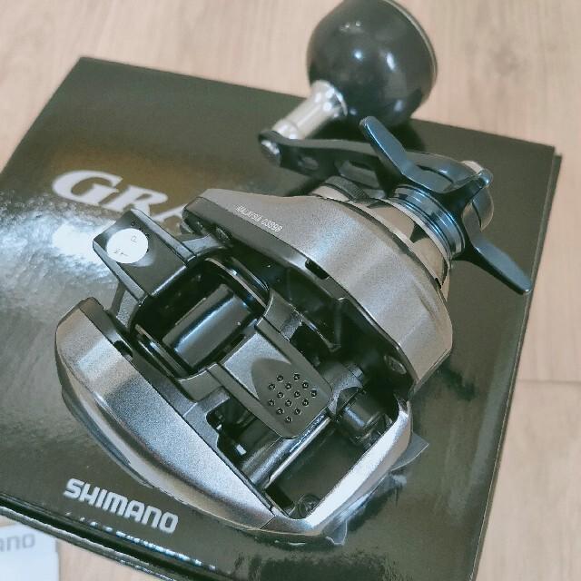 SHIMANO(シマノ)の新品☆未使用 シマノ グラップラー プレミアム 150XG(右) メーカー希望小 スポーツ/アウトドアのフィッシング(リール)の商品写真