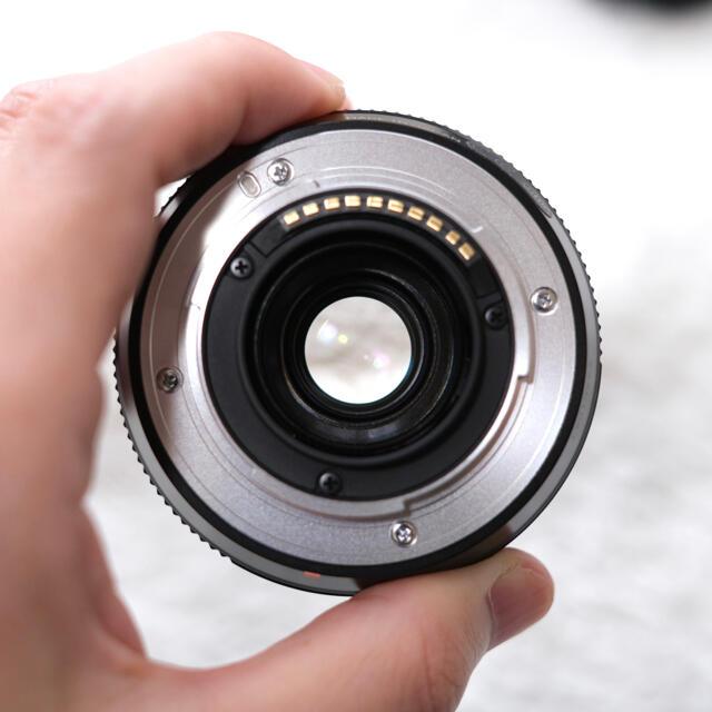 富士フイルム(フジフイルム)の【美品】FUJIFILM XF18mm F2 R スマホ/家電/カメラのカメラ(レンズ(単焦点))の商品写真