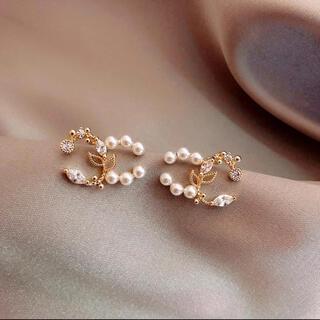 アーカー(AHKAH)のperl  double cc gold  pierce(ピアス)