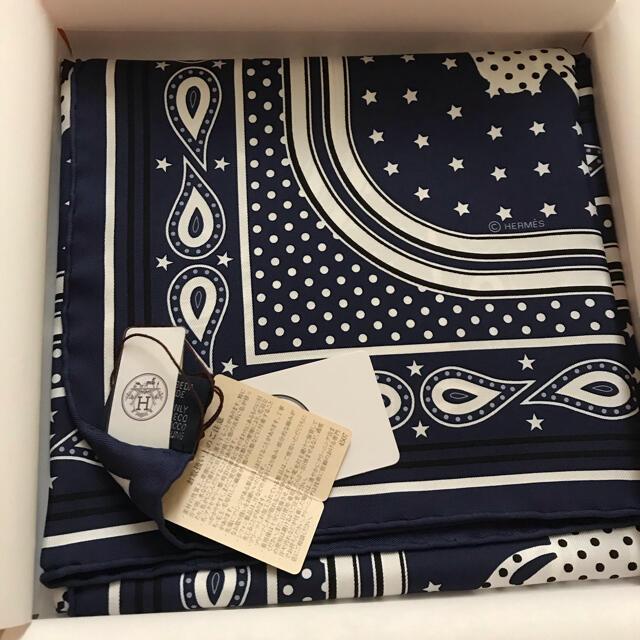 Hermes(エルメス)の新品♡ エルメス 最新 人気♡バンダナ カレ ネイビー 2021スカーフ レディースのファッション小物(バンダナ/スカーフ)の商品写真