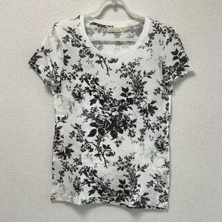 ユニクロ(UNIQLO)のUNIQLO/新品 ユニクロ 半袖Tシャツ 花柄(Tシャツ(半袖/袖なし))