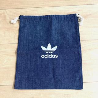 アディダス(adidas)のアディダスオリジナル 巾着(ポーチ)