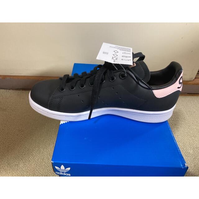 adidas(アディダス)の月末セール!adidas スタンスミス 23.5cm 未使用品 レディースの靴/シューズ(スニーカー)の商品写真