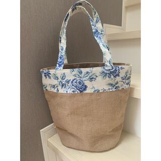 LAURA ASHLEY - 美品 ローラアシュレイ LAURA ASHLEY ジュート ブルーの花柄 バッグ