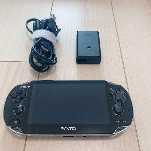 PlayStation Vita(プレイステーションヴィータ)のPlayStation®Vita pch-1100  エンタメ/ホビーのゲームソフト/ゲーム機本体(携帯用ゲーム機本体)の商品写真