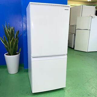 シャープ(SHARP)の⭐️SHARP⭐️冷凍冷蔵庫 2019年 137L 美品 大阪市近郊配送無料(冷蔵庫)