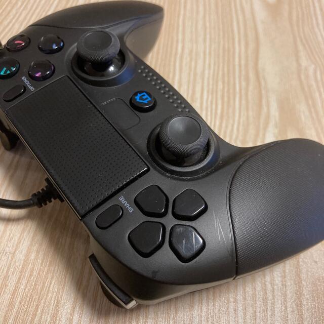 PlayStation4(プレイステーション4)のps4  互換 有線 コントローラー 動作品 エンタメ/ホビーのゲームソフト/ゲーム機本体(その他)の商品写真